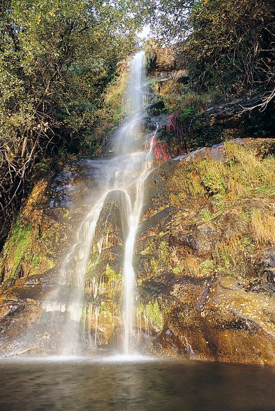 La Chorrera. Salto de agua de unos 20 metros. Fotografía cedida por DIVA.